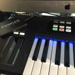 KOMPLETE KONTROL Sシリーズの便利さと電子ピアノの打鍵感の両方が欲しい時